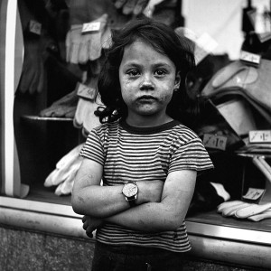 Vivian-Maier-Girl-with-Wristwatch-1024-postbit-2232