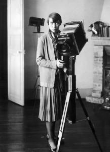 Berenice-ABBOTT-camera