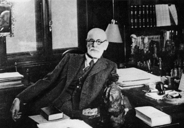 Freud dans son bureau