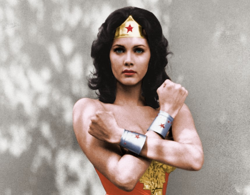 nouvelles-heroines-Lynda_Carter_Wonder_Woman-horizon