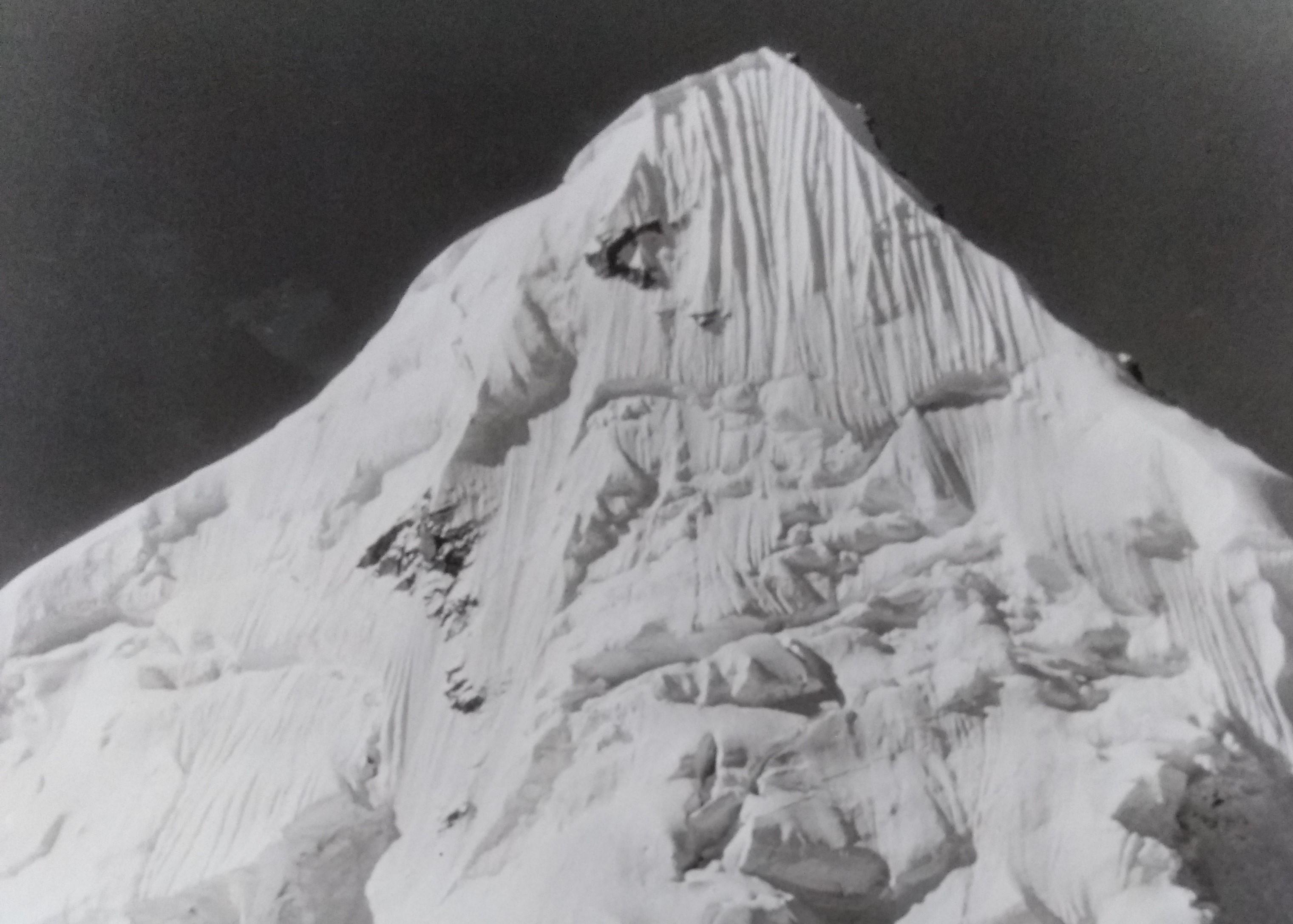 "EXPO-RENCONTRE ""Himalaya 1958"" Photos d'Émile Bayle, @ Galerie Annapurna – Restaurant Annapurna"